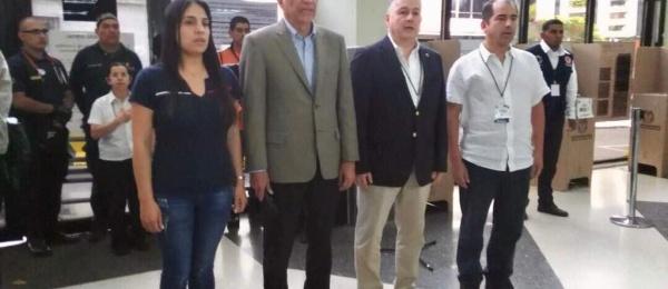 Elecciones para Congreso y consultas interpartidistas culminan en Caracas con normalidad
